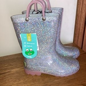 New Western Chief Girls Silver light up Rainboot